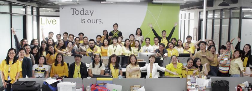 TeamAsia's Be Bright Family Photo